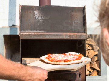 pizzaoven buiten