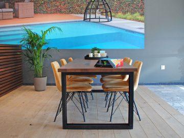 tafel zwembadwinkel interieur