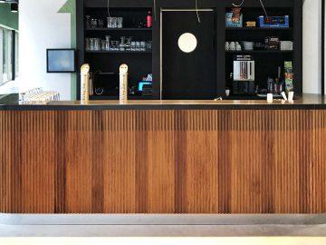 bar iroko hout kantine