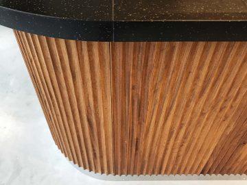 ronde bar met oud hardhout